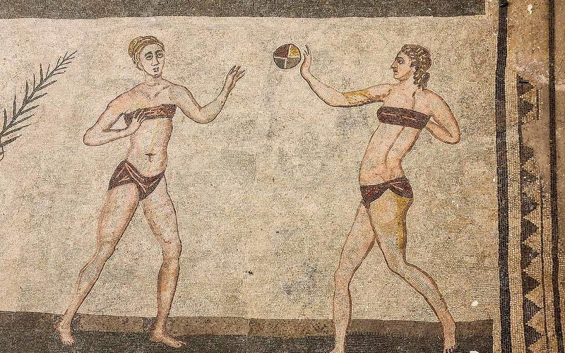 Pittura parietale romana che mostra il gioco della palla.